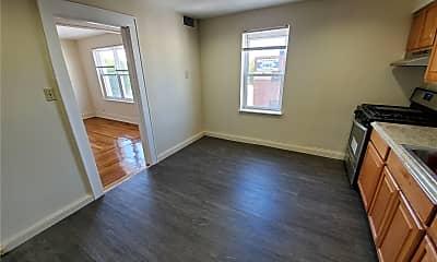 Living Room, 246 Mineola Blvd 1, 1
