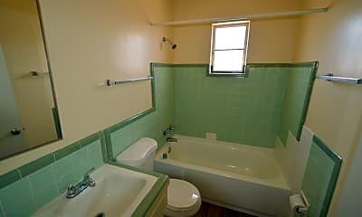 Bathroom, 933 N Dodge Blvd, 2