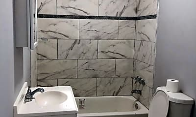 Bathroom, 515 Brinton St, 2
