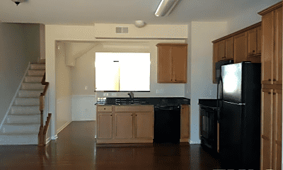 Kitchen, 504 Berry Chase Way, 1