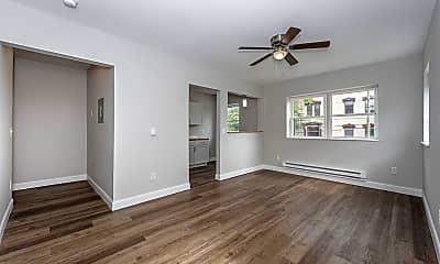 Living Room, 825 William Howard Taft Rd 1, 1
