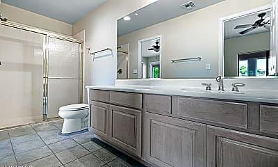 Bathroom, 16439 E Nicklaus Dr, 2