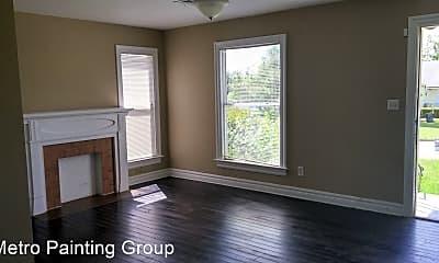 Living Room, 1905 NW Oak Ave, 1