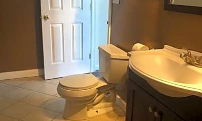Bathroom, 707 E Fulton St, 1