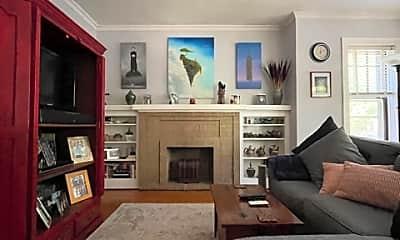 Living Room, 2329 W Winnemac Ave, 1