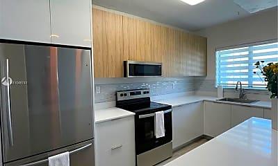 Kitchen, 1350 SW 20th St 1, 2