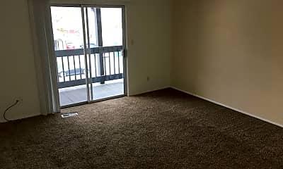Living Room, 553 Monterey Dr, 1