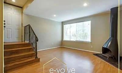 4136 Cole Ave 2, 0