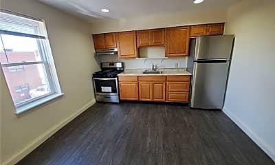 Kitchen, 246 Mineola Blvd 1, 0