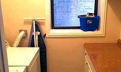 Bedroom, 2105 S Ashland Ave, 2