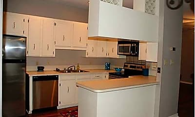 Kitchen, 3675 Park Trail Dr, 1