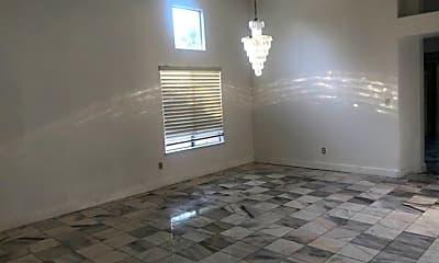Living Room, 8805 Fox Run Dr, 1