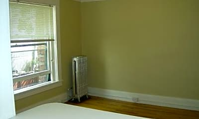 Raymond Apartments, 2
