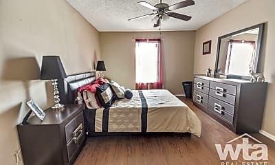 Bedroom, 1720 E Woodward, 2
