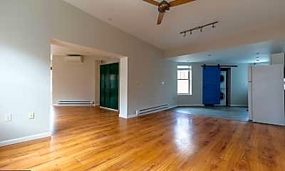 Living Room, 1839 Poplar St 2B, 1