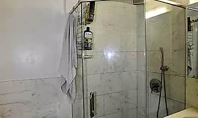 Bathroom, 99 Allen St, 2
