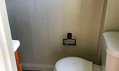 Bathroom, 834 N 24th St, 2