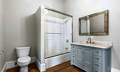 Bathroom, 202 N LBJ Dr 209, 1