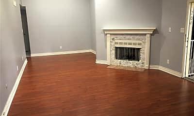 Living Room, 3100 Walnut Bend Ln, 0