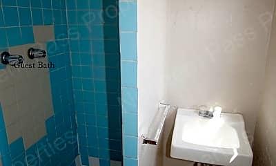 Bathroom, 1114 N El Paso St, 2
