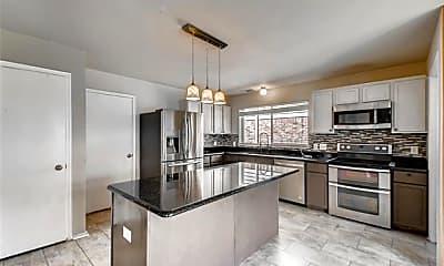 Kitchen, 2108 Adams Ct, 2