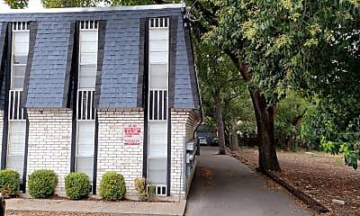 Montage Apartments West Campus, 2
