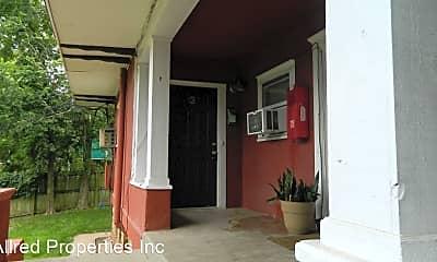 Patio / Deck, 621 N Leverett Ave, 0