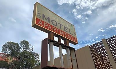 Warren Motel, 1