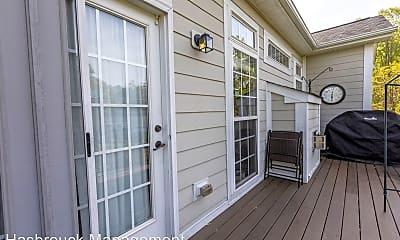 Living Room, 632 Rainier Rd, 2