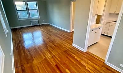 Living Room, 71 Virginia Rd 18F, 1