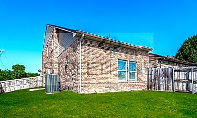 Building, 338 Austin Ave, 2