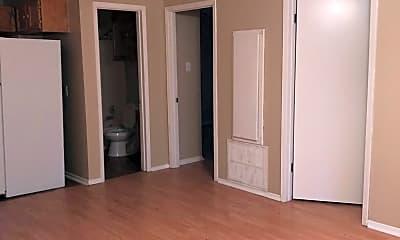 Living Room, 2411 Jaguar Dr, 1