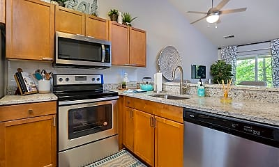 Kitchen, The Pointe at Canton Apartments & Townhomes, 0