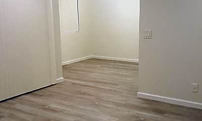 Bedroom, 1811 E Grand Ave, 2