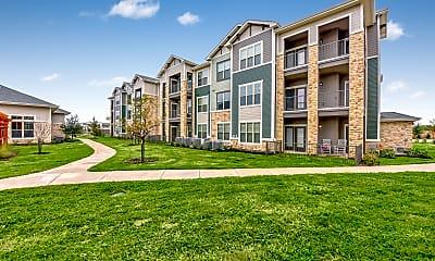 Building, North Creek Apartments, 0