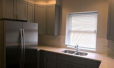 Kitchen, 5669 N Magnolia Ave, 1