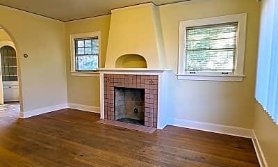 Living Room, 2321 NE Weidler St, 1