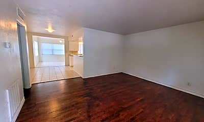 Living Room, 3804 Meadowbrook Ave, 1
