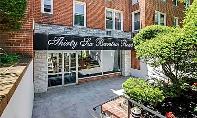 36 Barstow Rd 1M, 2