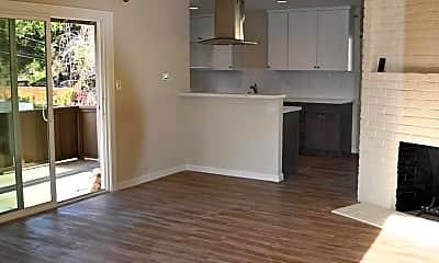 Living Room, 130 Coleridge Ave, 2