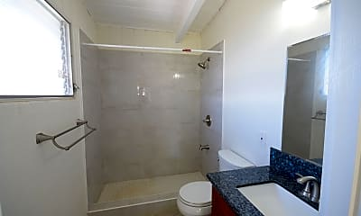 Bathroom, 1372 Hooli Cir, 2