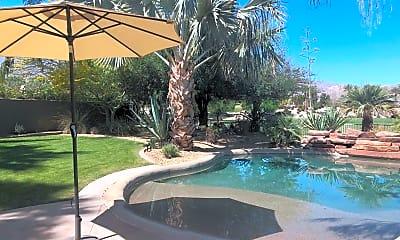 Pool, 60189 Poinsettia Pl, 1