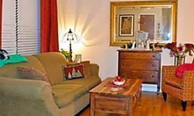 Living Room, 1716 Redwood Pl, 2