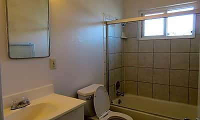 Bathroom, 3176 Cadillac Dr, 2