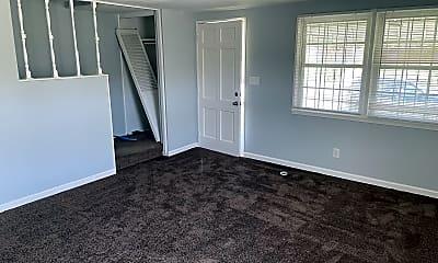 Living Room, 5200 Darien Rd, 2