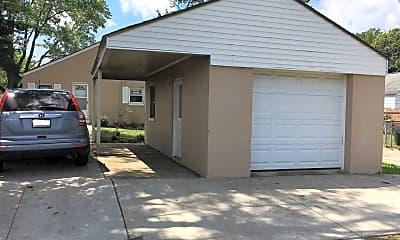 Building, 678 E Jeffrey Pl, 2