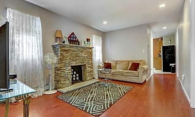 Living Room, 135 Radcliffe Rd, 1