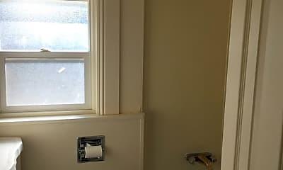 Bathroom, 1570 Idlewild Dr, 2