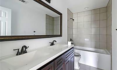 Bathroom, 932 Davis Ave, 2