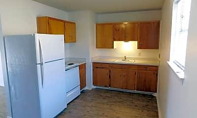 Kitchen, 203 28th St, 2